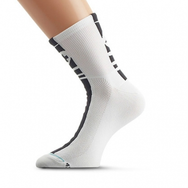 Assos summerSocks Mille cycling socks 9cm white unisex
