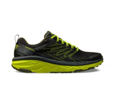 Hoka One One Challenger ATR 5 wide running shoes black/yellow men